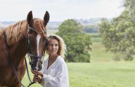 西班牙知名演员埃尔莎·帕塔奇正式出任Swisse全球品牌大使